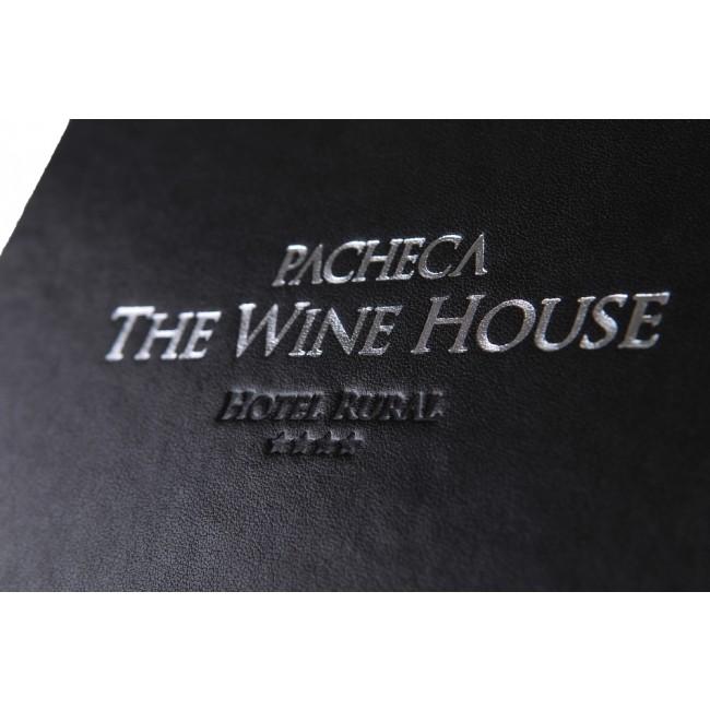 25 - AWPC3086 - Porta Contas Quinta da Pacheca wine house capa dura entrada nova referencia site